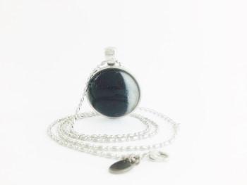 Moon Pendant – Waxing Crescent (Evening Crescent) Moon Pendant Necklace